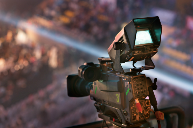 How to Smoothly Run a Concert With the Right Sound and Video Equipment