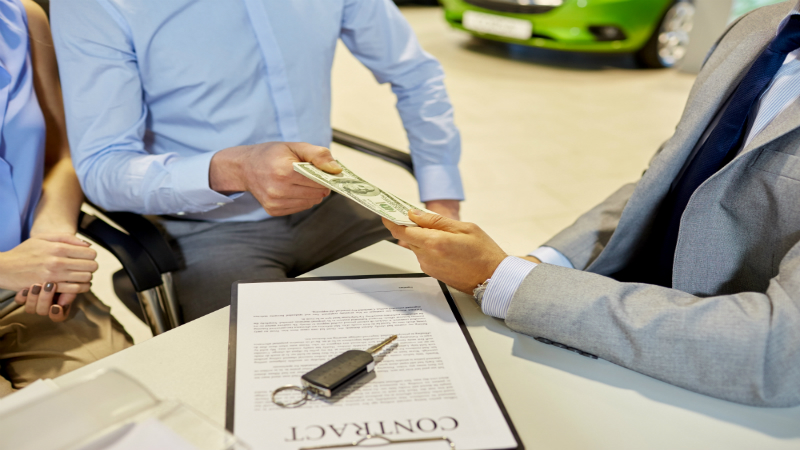 Factors That Play a Role in Whether or Not You Are Financed to Buy a Car