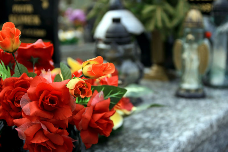 Consider Using Flower Delivery in Fort Lauderdale FL to Show Your Sympathy