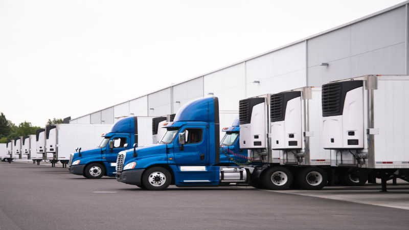 What The Best Trucking Companies Offer To Attract Drivers