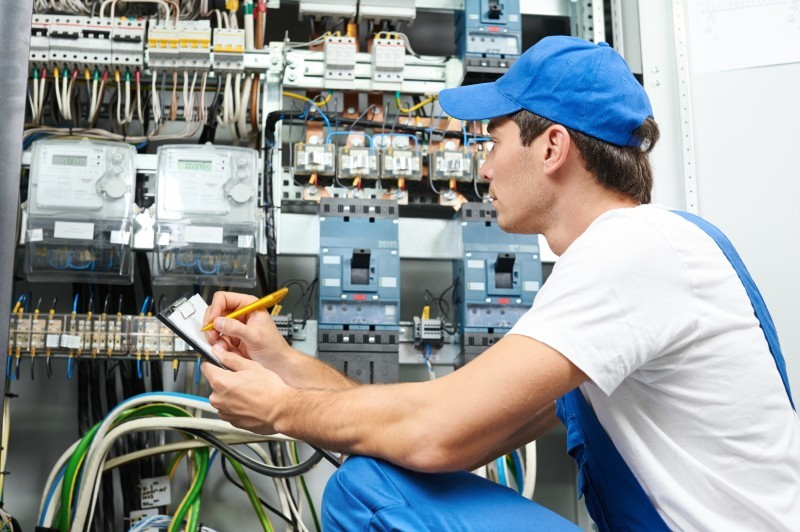 Power in Chicago Heights, IL: Signs You Should Update Electrical System
