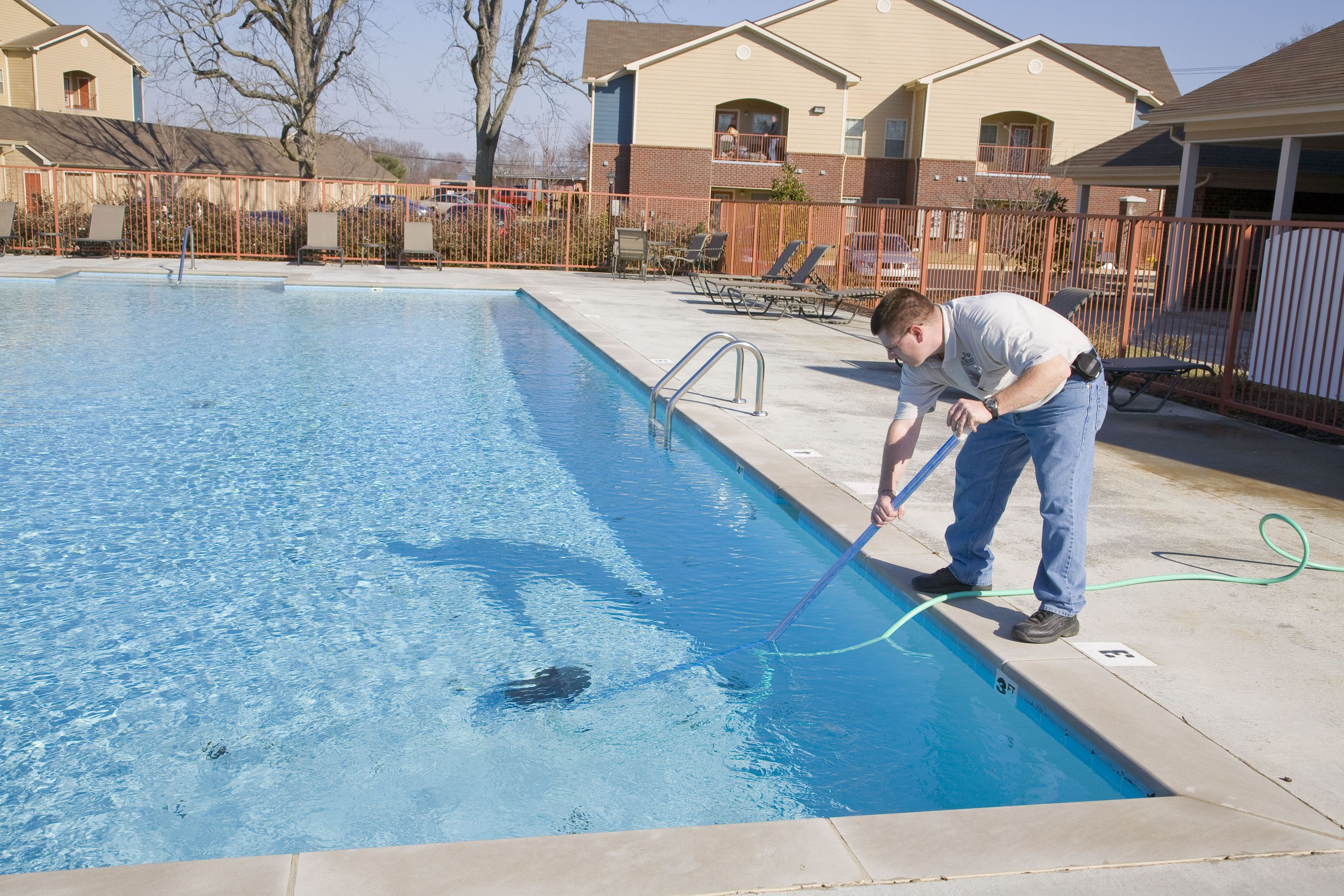 Why Professional Pool Cleaning in La Quinta, CA, Is Advantageous