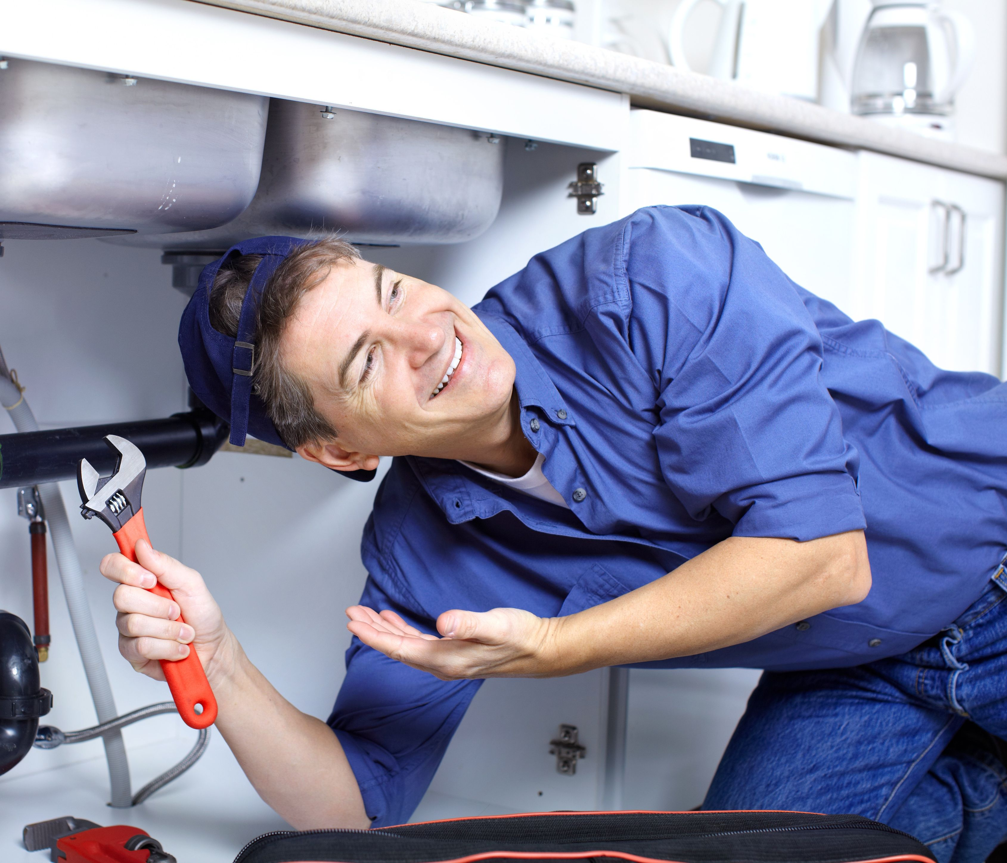 When to Call for Clogged Drain Repair from a Licensed Plumber