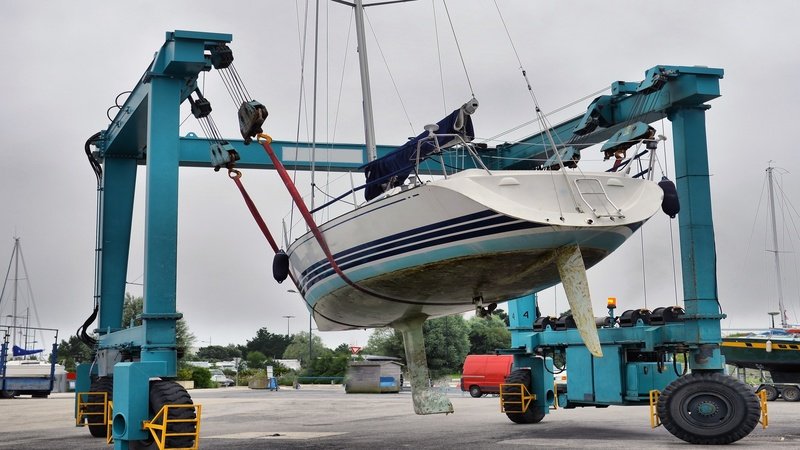 The Benefits of Getting Boat Lift Installation in Cape Coral, FL