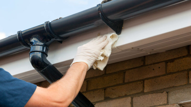 Keep Gutter Leaks Under Control With Gutter Repairs in Peachtree City GA