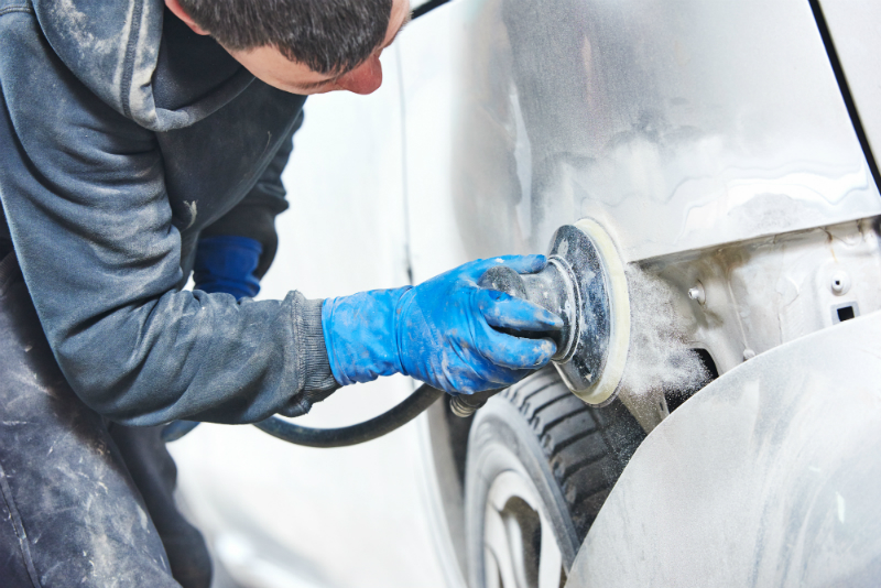 A few tips to help you choose the right auto paint shop