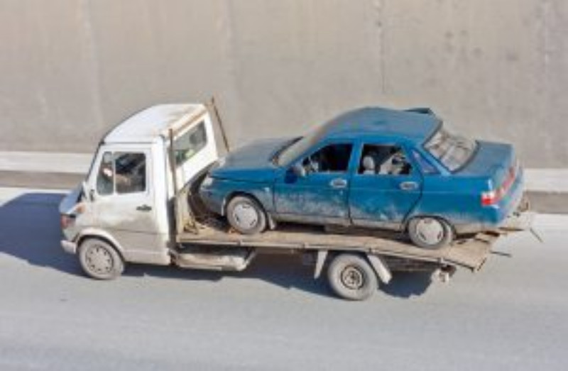 Benefits of Using a Professional for Your Heavy Duty Towing Needs