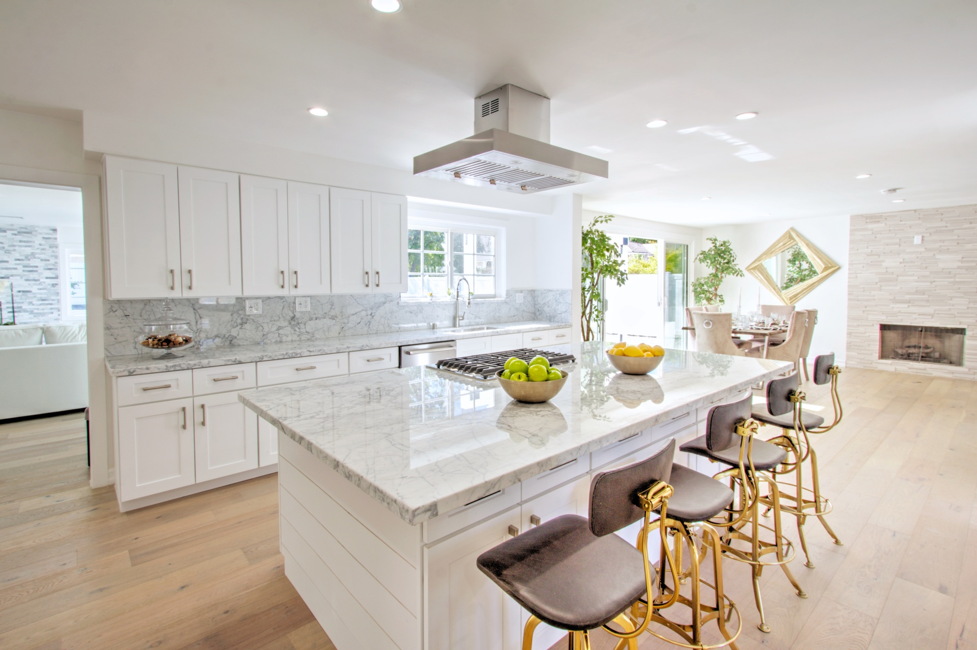HOW TO AVOID FOUR KITCHEN REMODELING MISTAKES