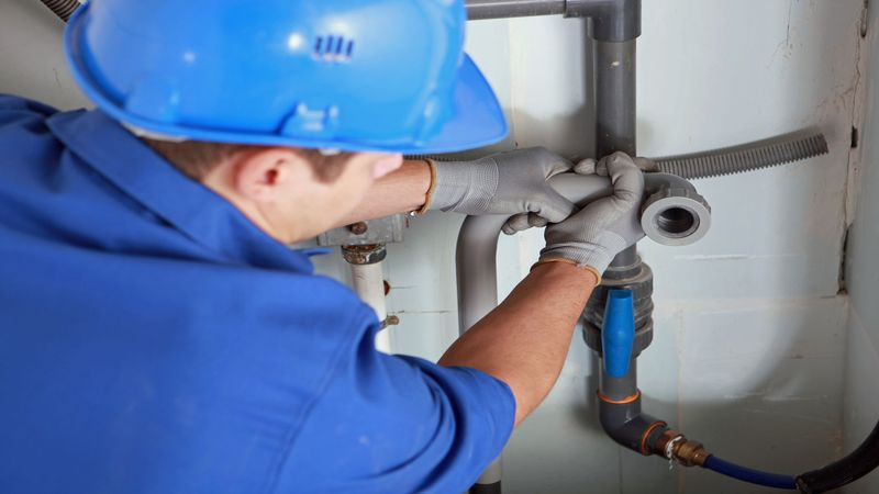 Contact a Commercial Plumber to Minimize Downtime