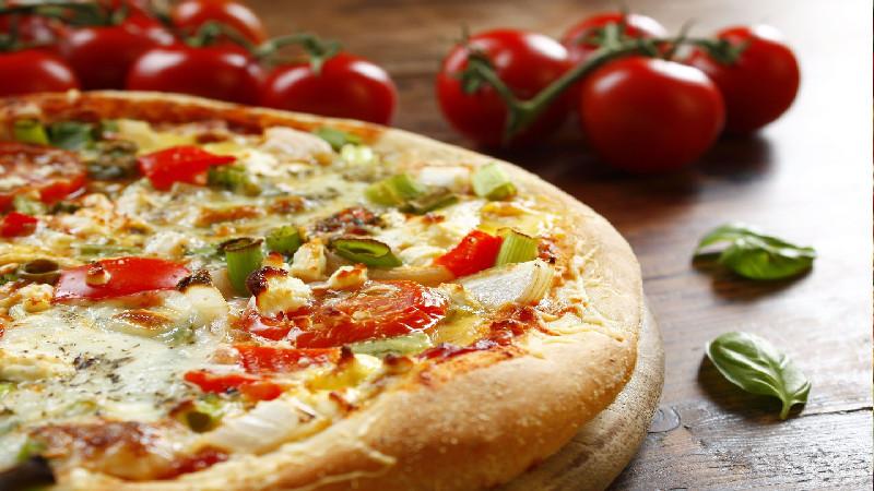 Get Classic Family-Run Pizza Delivered to Your Door in Phoenix, AZ